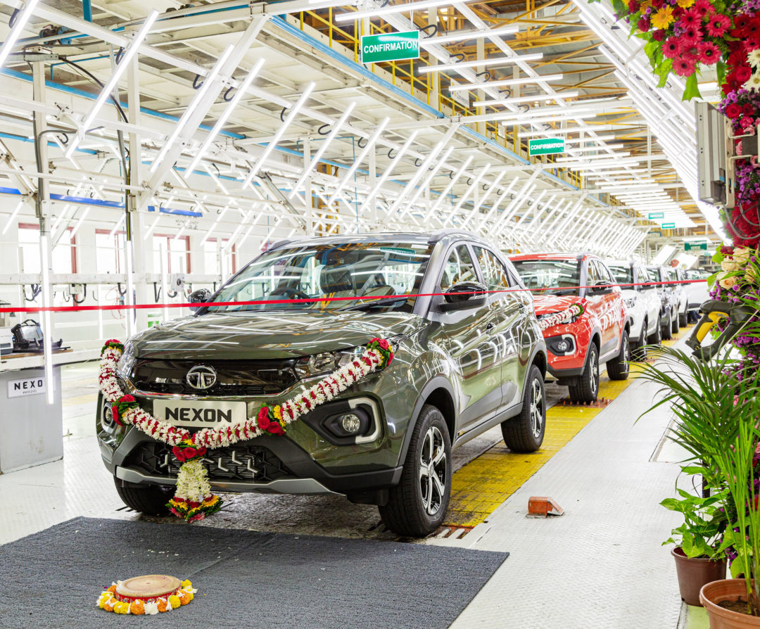 Tata Motors rolls out the 2,00,000th